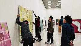 「新井知生の40年と教え子たちの今」展